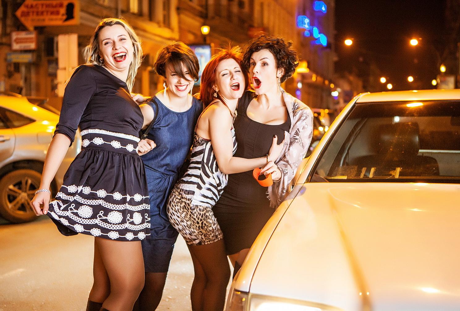 Прокат лимузина в Одессе - вечеринка, вечерняя Одесса